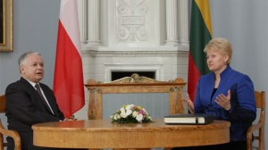 Polish President Lech Kaczynski (left) and Lithuanian President Dalia Grybauskaitė did formalize further energy cooperation between the two neighbors.