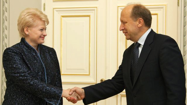 President Grybauskaitė (left) and Prime Minsiter Kubilius are largely in agreement on how the government should address SoDra and poorly-run state institutions. Both proposals face stiff opposition from left-wing parties in the parliament, though. Photo by the Office of the President of the Republic of Lithuania.